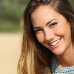 Lisser vos cheveux sans lisseur : Conseils de bricolages